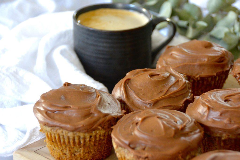 coffee and chai tea cupcakes