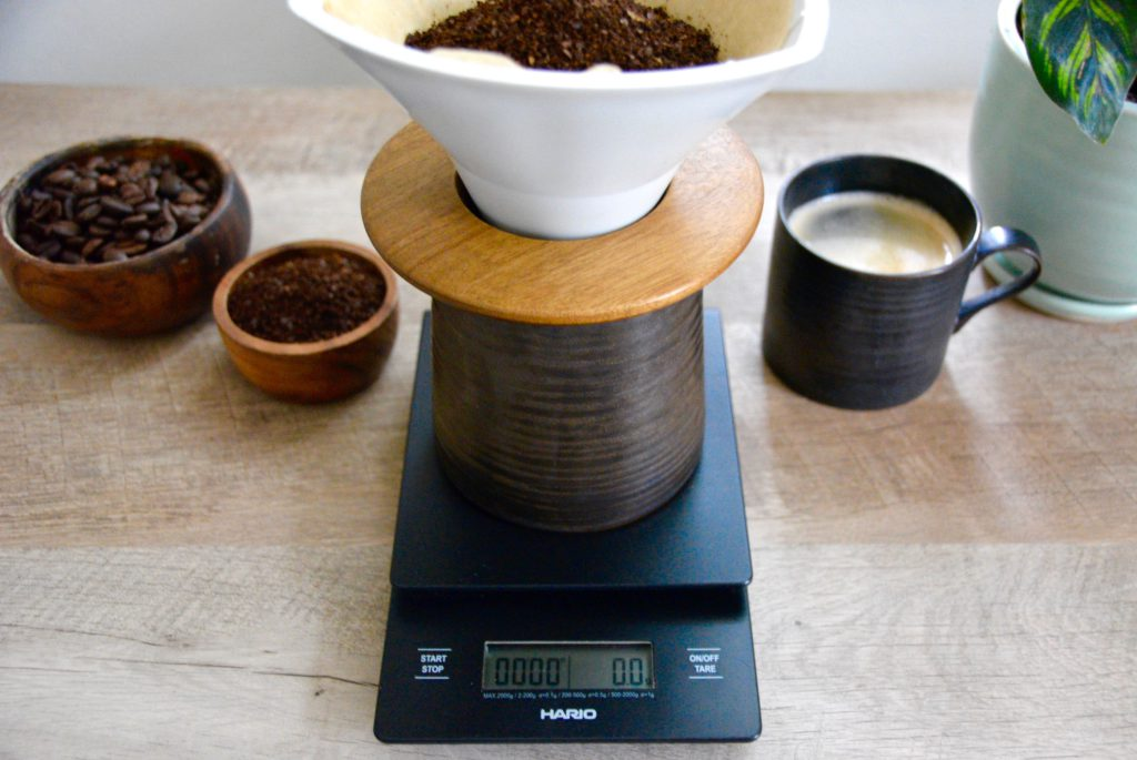 pour over coffee with scale and coffee mugs
