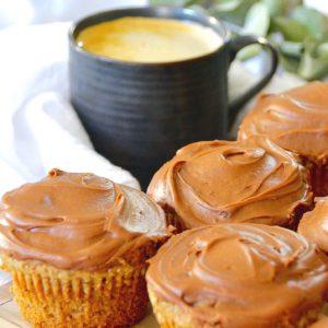 chai coffee with chocolate cupcakes